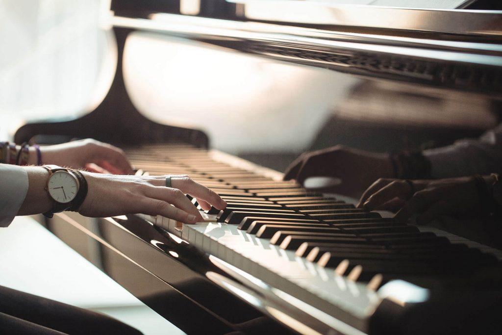 טיפול באמצעות מוזיקה